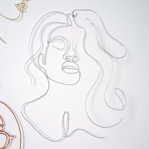 Hlava ženy - stříbrný drát